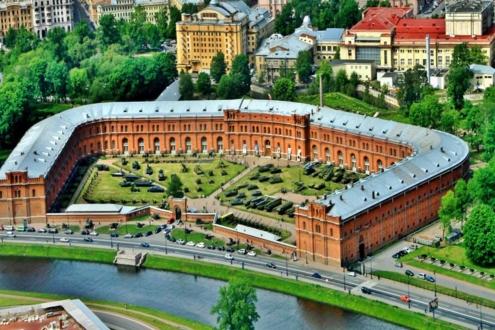 Общий вид Артиллерийского музея в Санкт-Петербурге