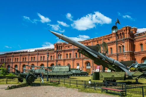 Двор Артиллерийского музея