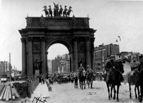 Ворота в 1917 году