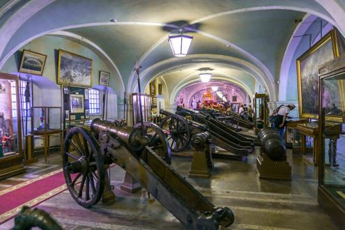 Экспозиция в залах Артиллерийского музея