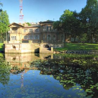 Старинный Лопухинский сад и его история