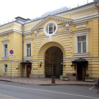 Старейшее здание Геликон-Оперы