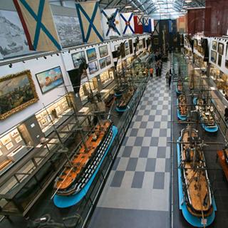 Центральный военно-морской музей имени Петра Великого в Северной столице