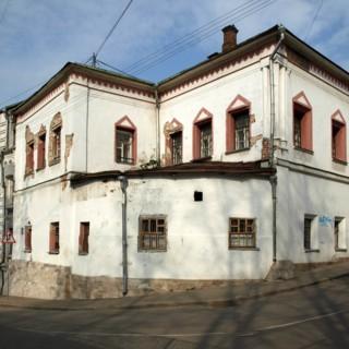 Старинные палаты на Хохлах с удивительной историей