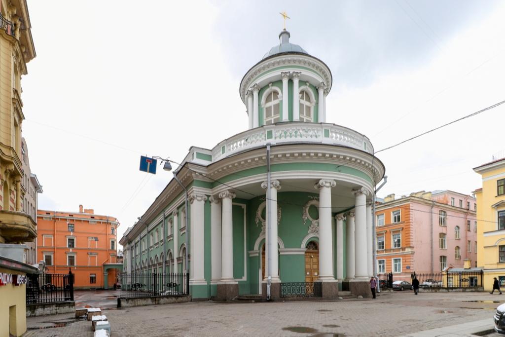 Внешне церковь полностью восстановлена