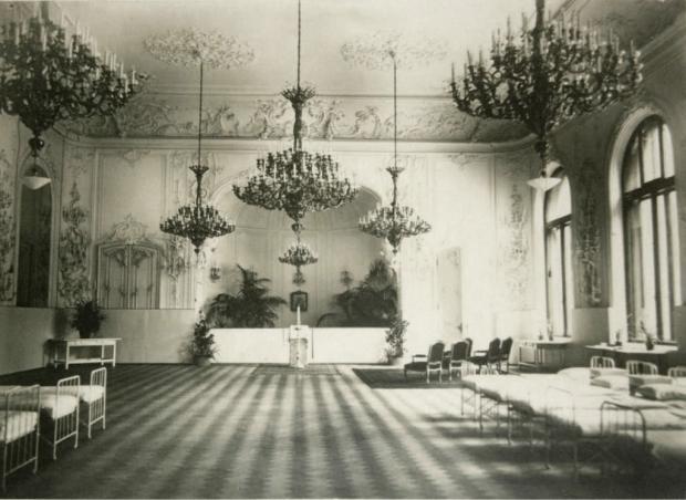 Госпиталь во дворце во время Первой мировой войны