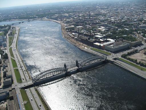 Мост соединяет Центральный и Красногвардейский районы