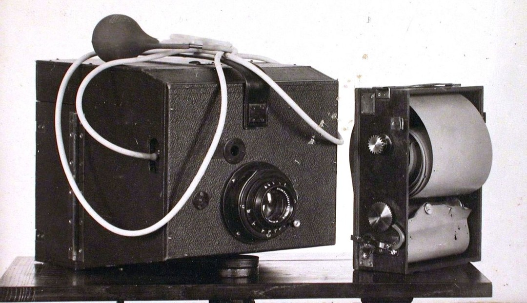 Полуавтоматический аэрофотоаппарат, 1913 год