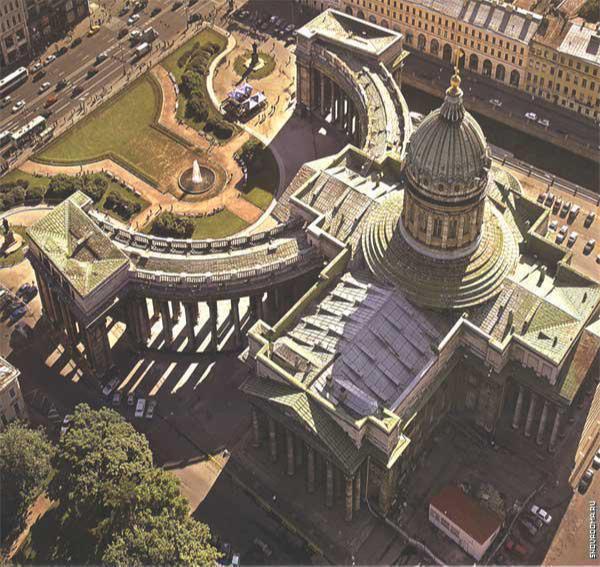 Казанский собор выполнен в форме креста