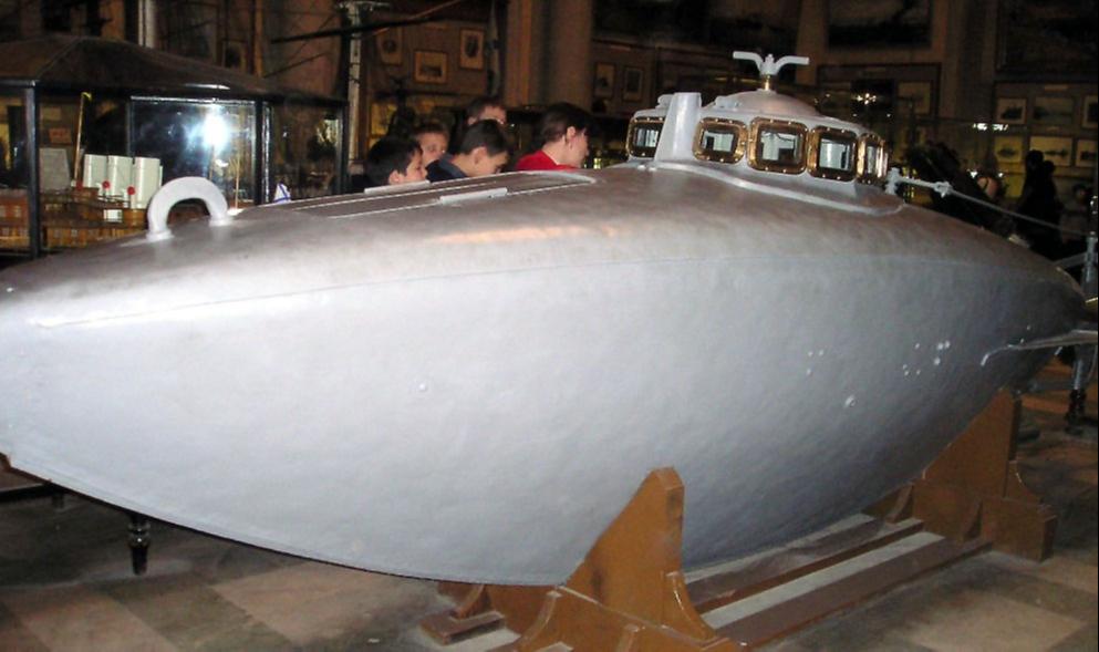 В Центральном военно-морском музее в Санкт-Петербурге