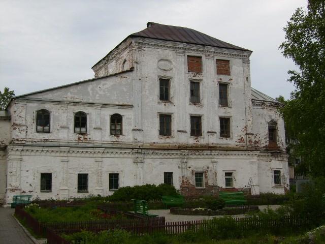 Храм Живоночальной Троицы в Кузнечихе