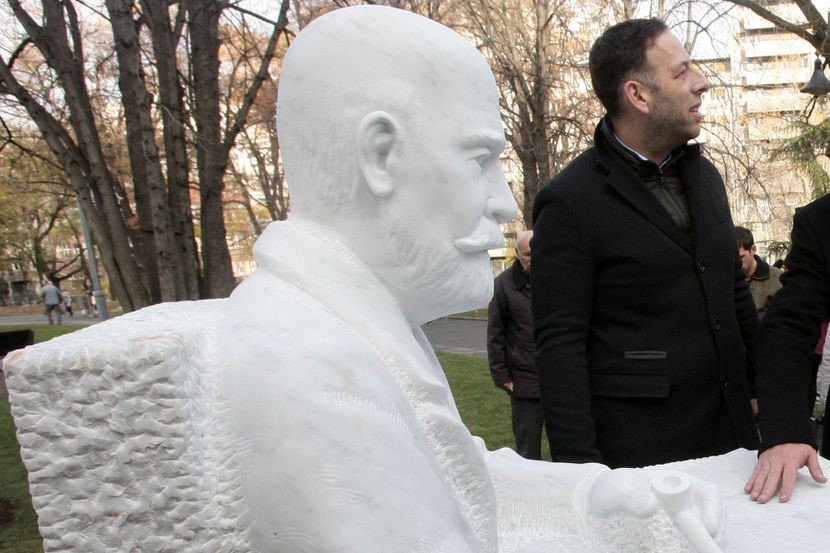 Памятник архитектору Краснову в Белграде