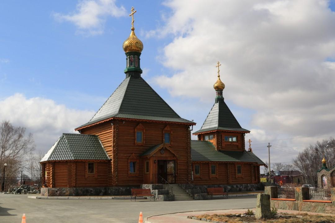 Храм святителя Николая Чудотворца в Южно-Сахалинске