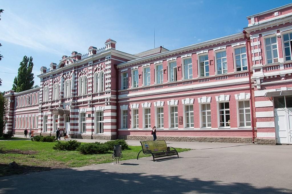 Здание мужской гимназии Азова