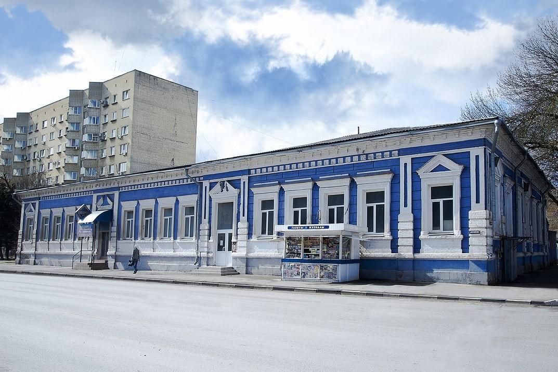 Здание старой почты Азова