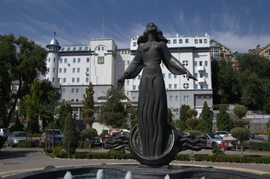 Памятник «Ростовчанка»