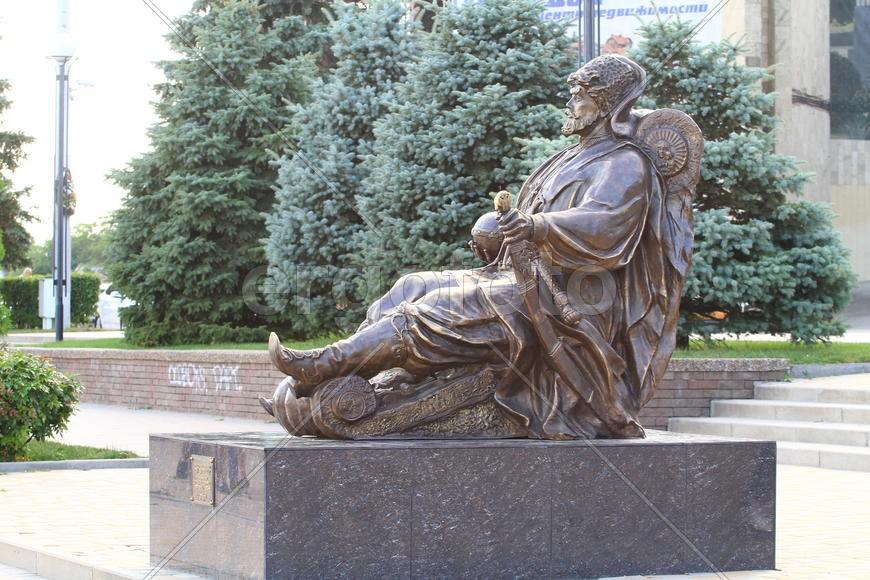 Скульптурная композиция «Дон-Батюшка»