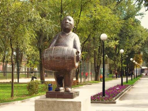 Памятник пивовару в Ростове-на-Дону