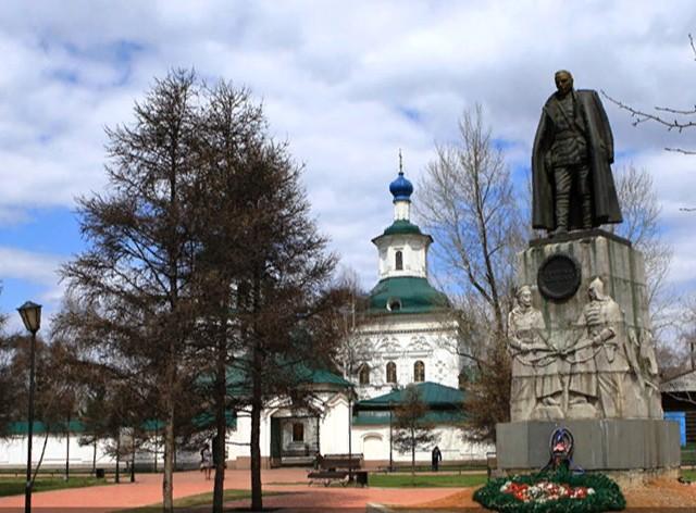 Памятник Колчаку в Иркутске