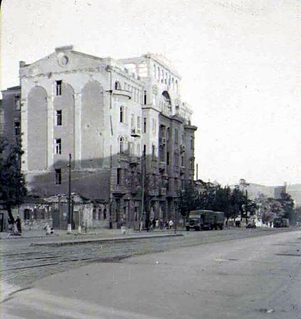 Здание бывшего госпиталя Добровольческой армии генерала Деникина