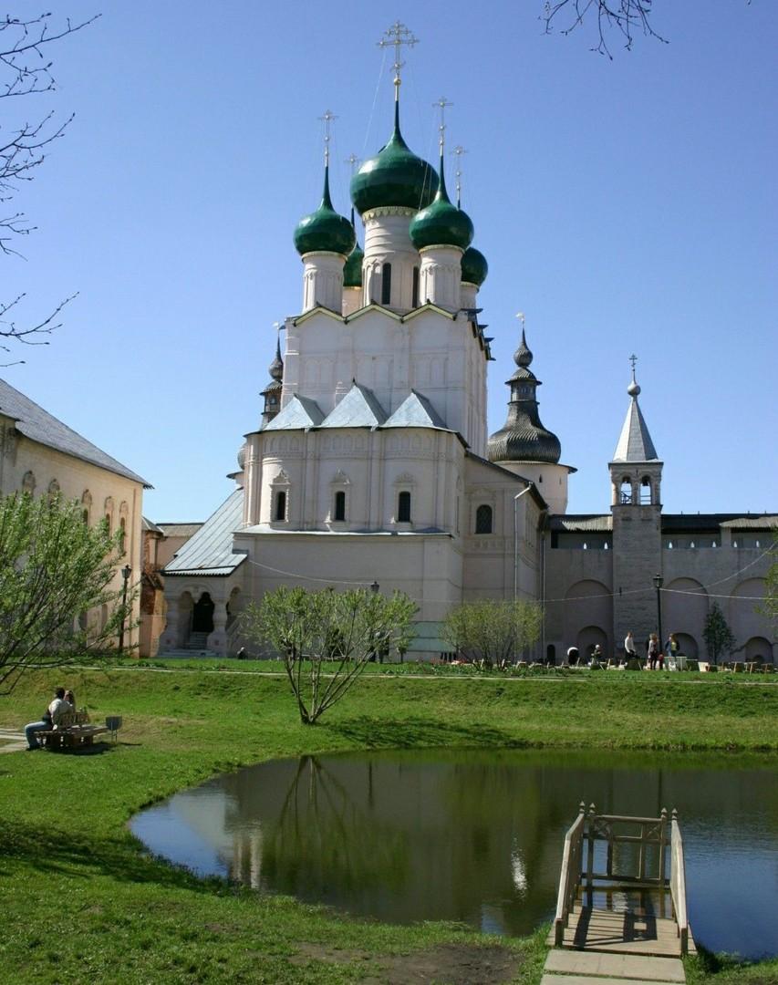 Церковь Иоанна Богослова в Ростовском Кремле