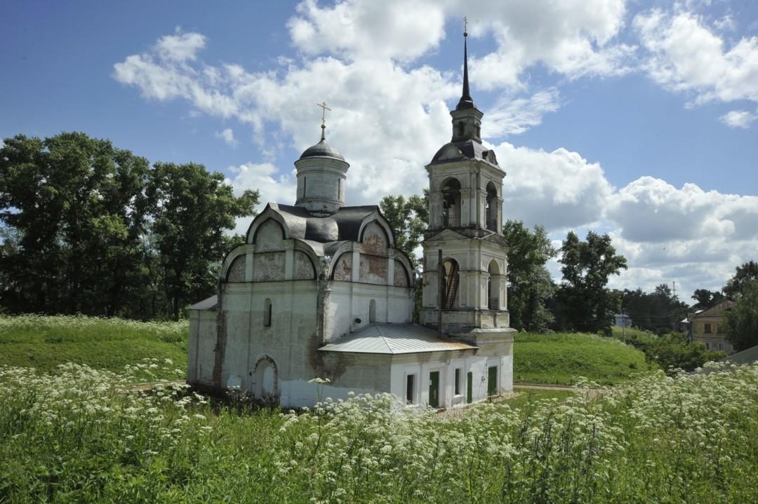 Церковь Вознесения Господня в валах в Ростове Великом