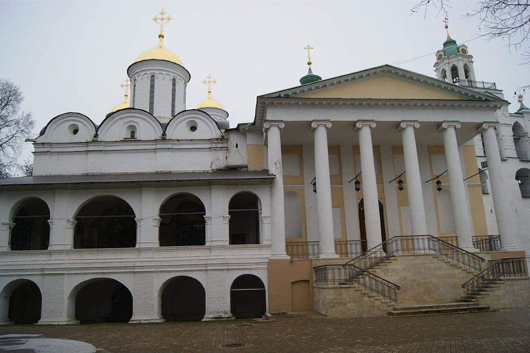 Церковь Феодора, Давида и Константина Ярославских в Спасо-Преображенском монастыре Ярославля