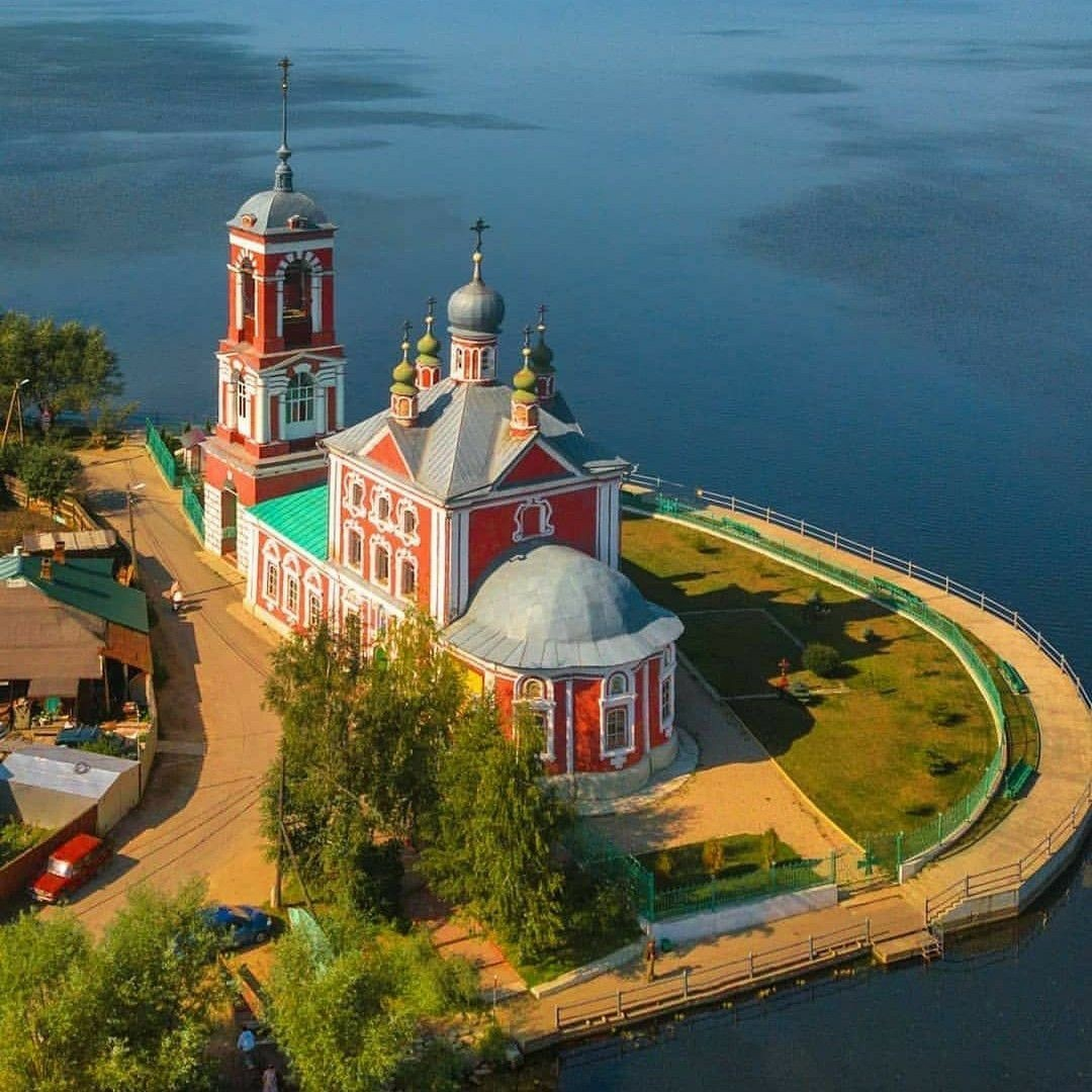 Плещеево озеро – родина российского флота.