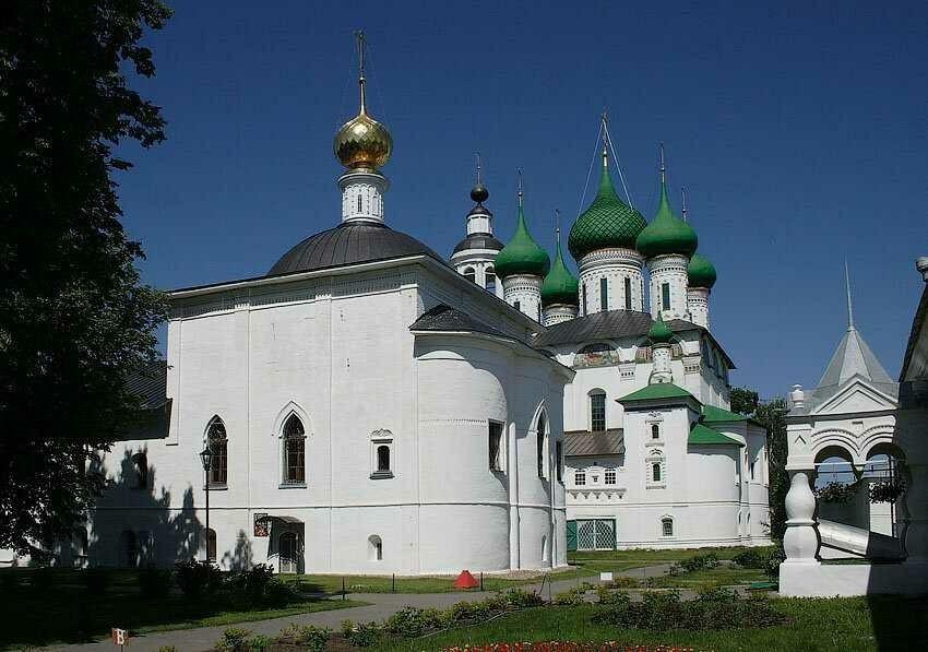 Церковь Воздвижения Честного Креста Господня в Толгском монастыре в Ярославле