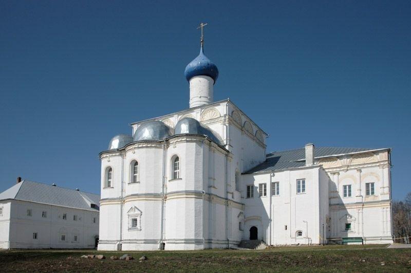 Церковь похвалы Пресвятой Богородицы Троикого Данилова монастыря в Переславле-Залесском