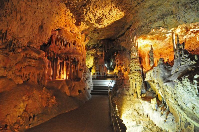 Мраморная пещера (Крым)