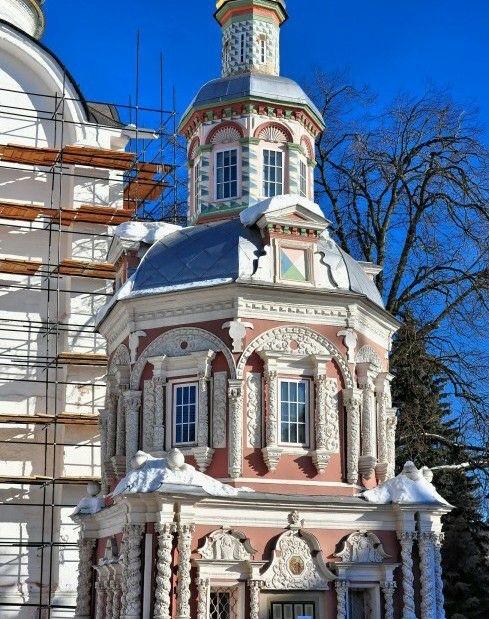 Надкладезная часовня в Свято-Троицкой Сергиевой лавре в Сергиевом Посаде