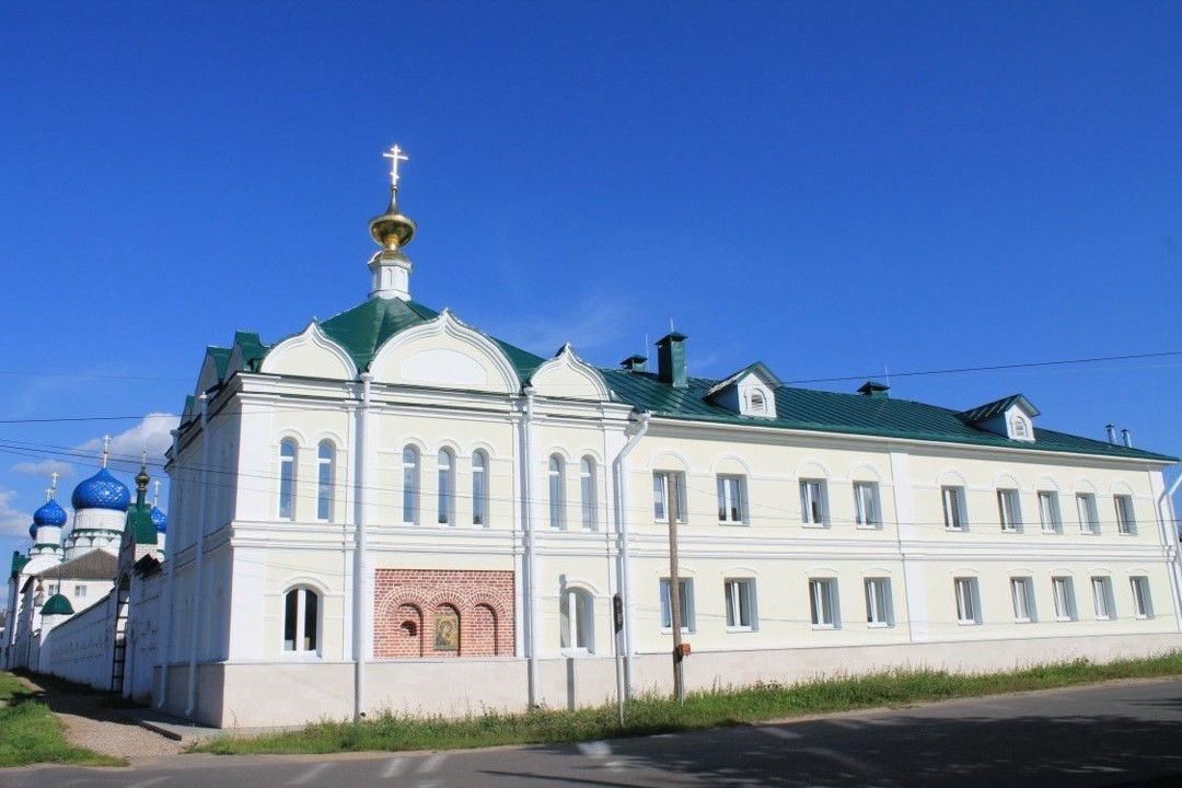 Церковь Иконы Божией матери Достойно есть-Милующая Богоявленского женского монастыря в Угличе