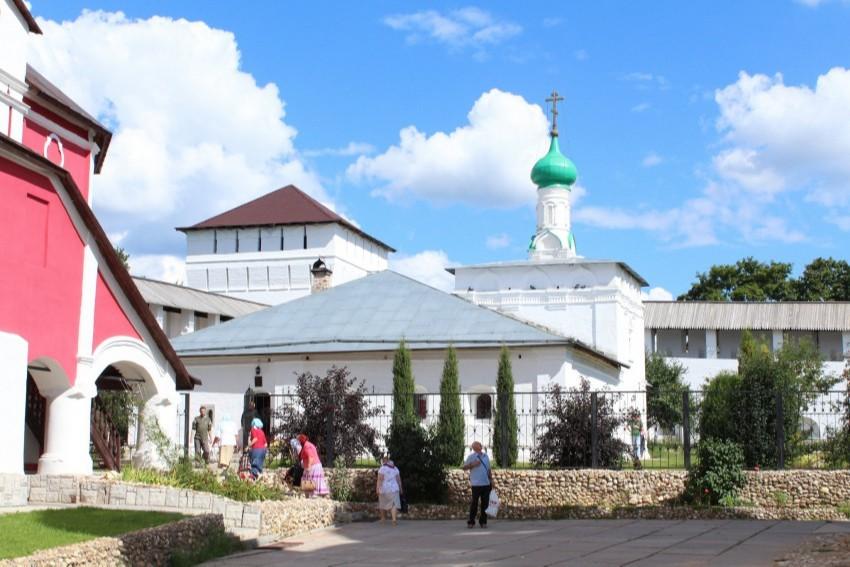 Храм Пророка Илии Свято-Пафнутьева Боровского монастыря