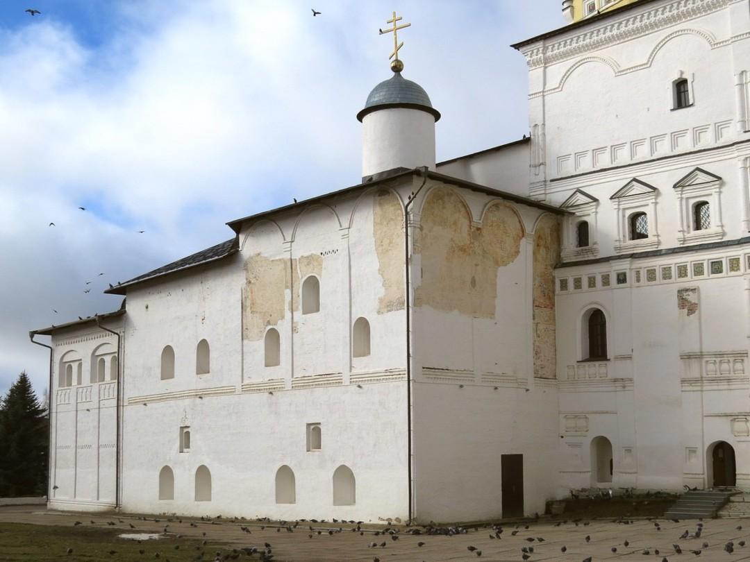 Храм Рождества Христова с трапезной Свято-Пафнутьева Боровского монастыря