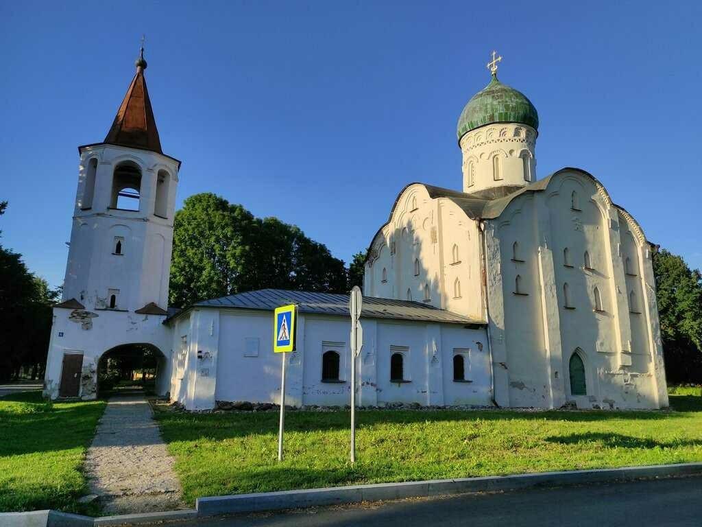 Церковь Фёдора Стратилата на ручью в Великом Новгороде