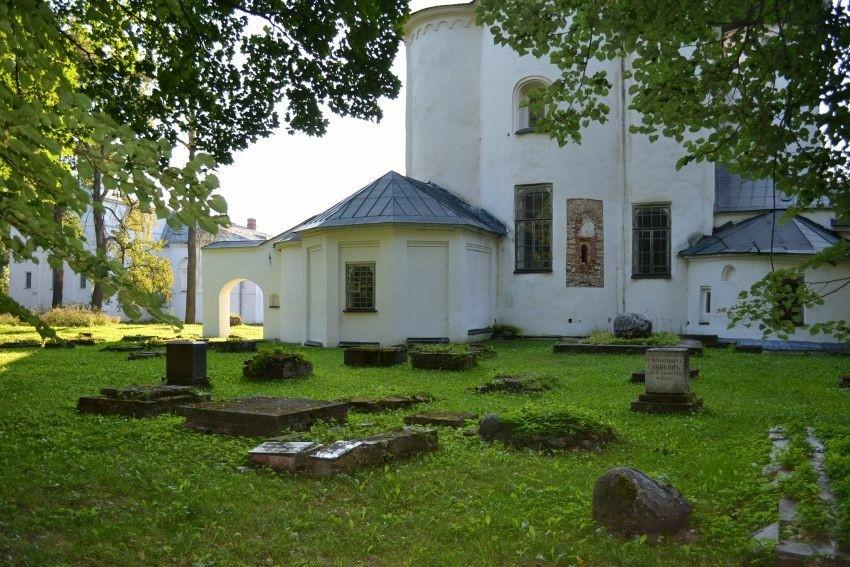 Антониев монастырь в Великом Новгороде