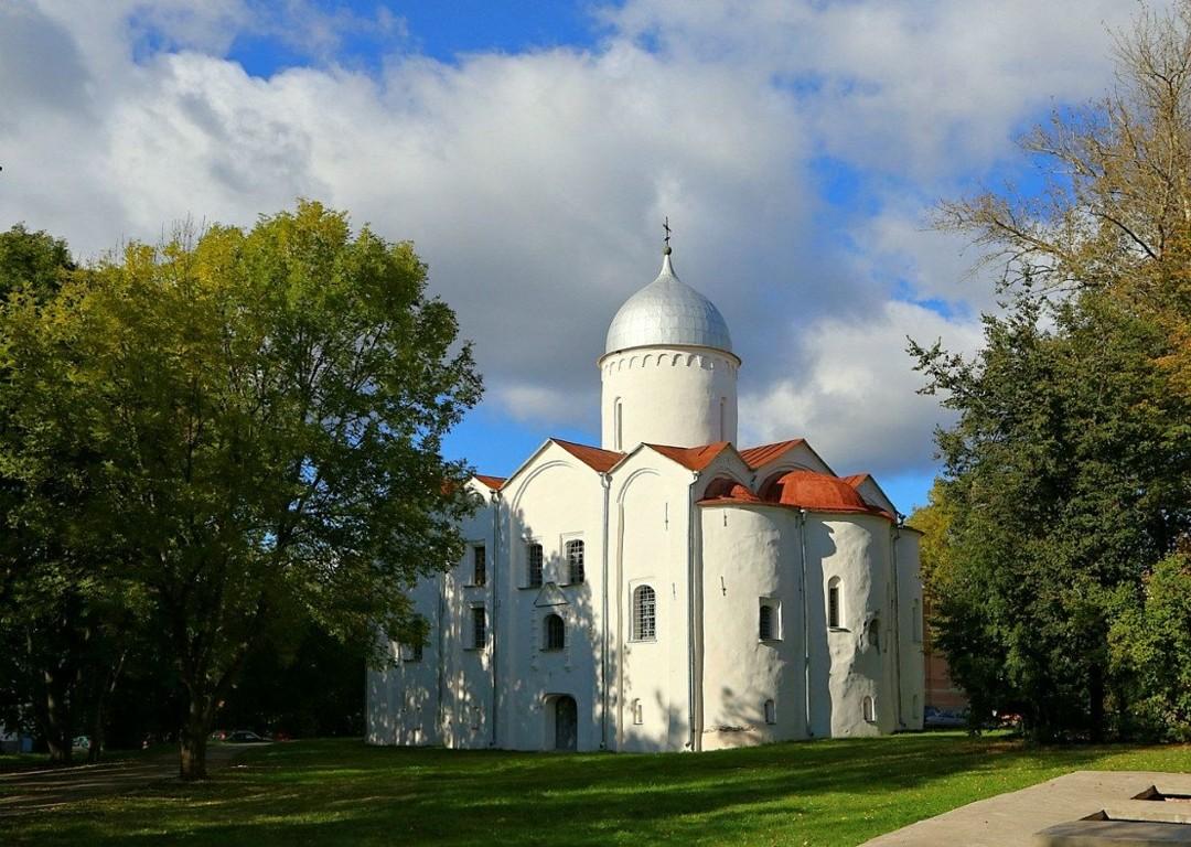 Церковь Иоанна Предтечи на Опоках в Великом Новгороде