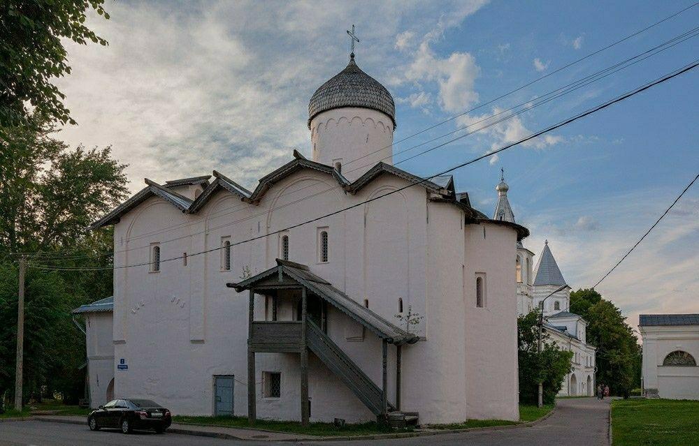 Церковь Жён-Мироносиц в Великом Новгороде