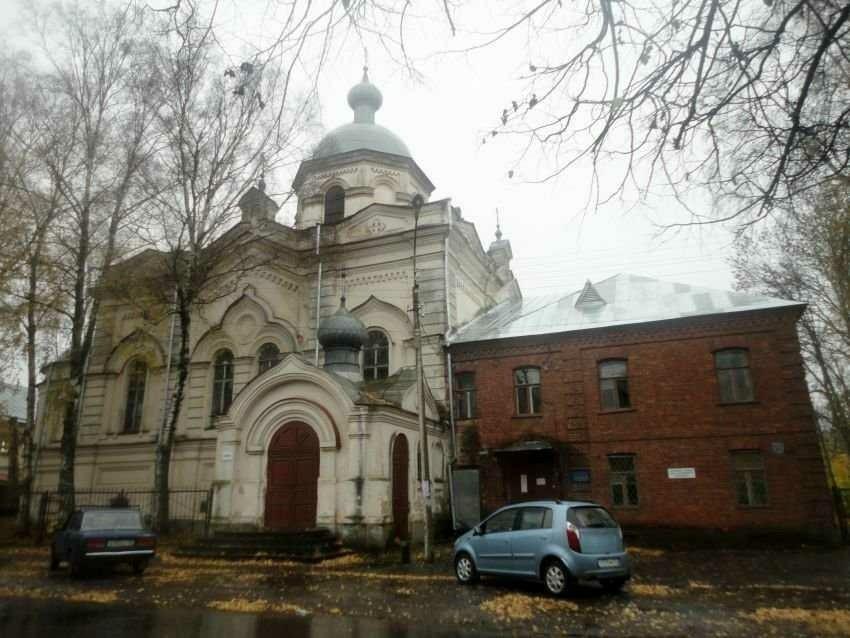 Собор сошествия святого Духа в Свято-Духовном монастыре в Великом Новгороде