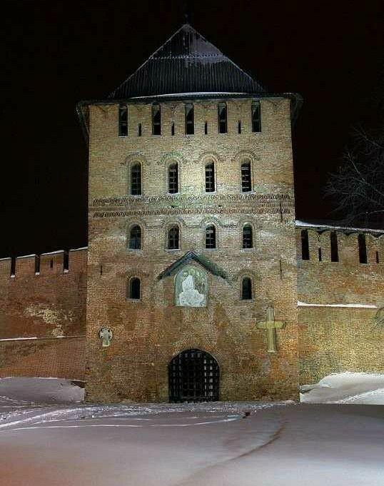 Владимирская башня в Новгородском Кремле