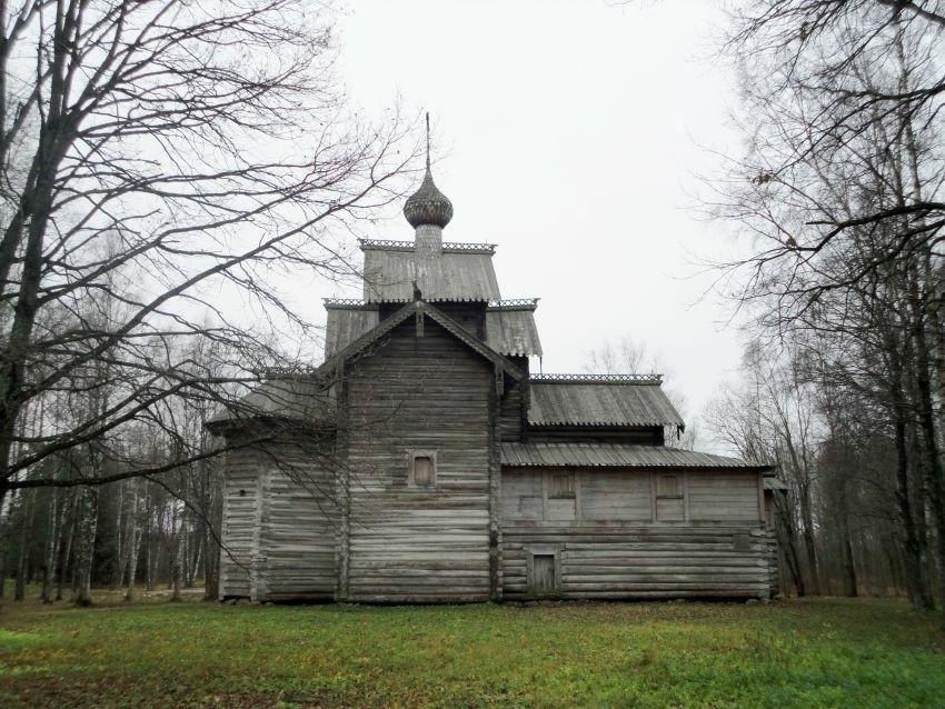Церковь Николая Чудотворца из деревни Мякишево в Витославлицах в Великом Новгороде