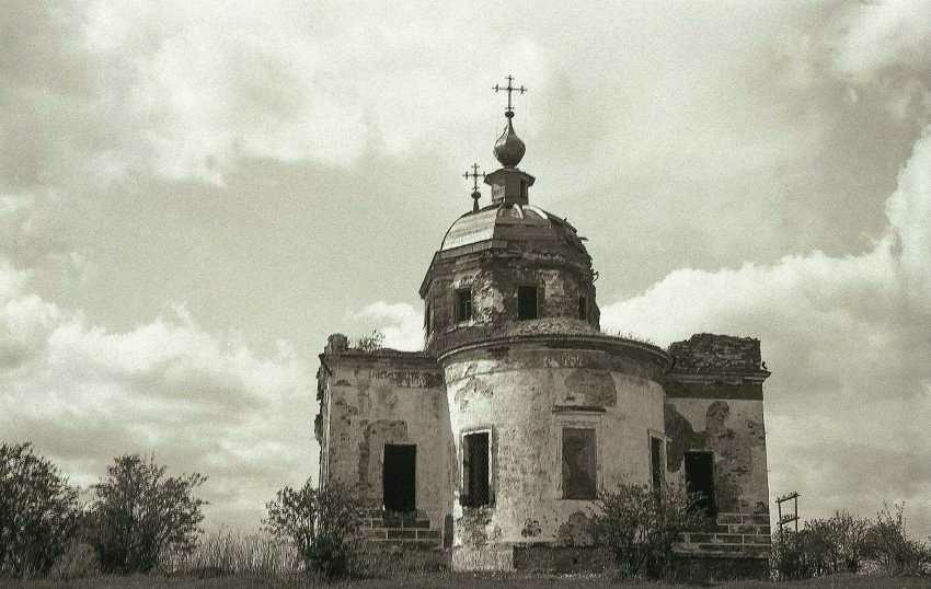 Церковь Иконы Божией Матери Знамение в Старом Ракомо