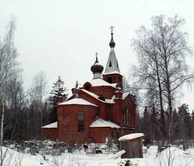 Церковь царя Николая II и царицы Александры в селе Ушаки