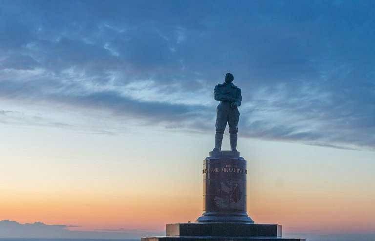 Памятник Валерию Павловичу Чкалову в Нижнем Новгороде