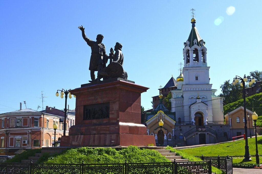 Памятник Минину и Пожарскому в Нижнем Новгороде