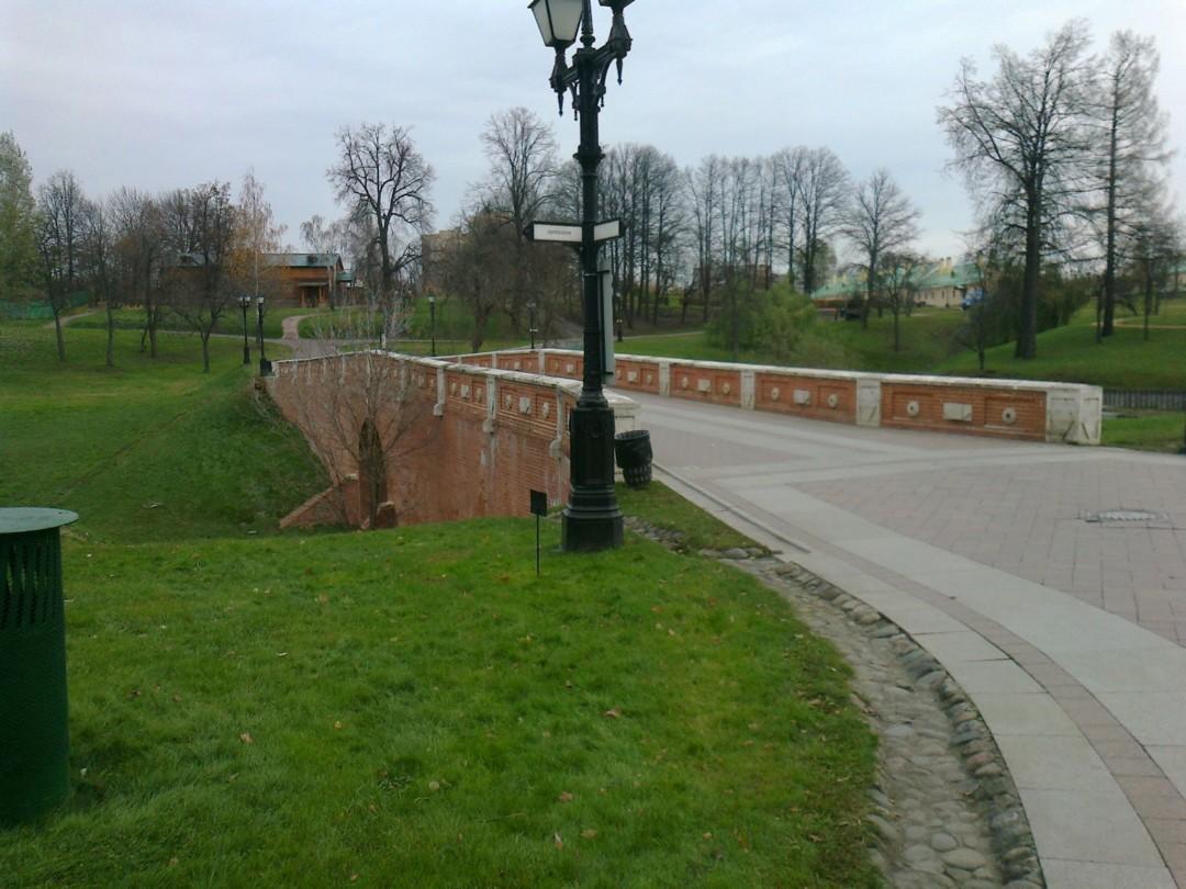Горбатый мост (Оранжерейная плотина)