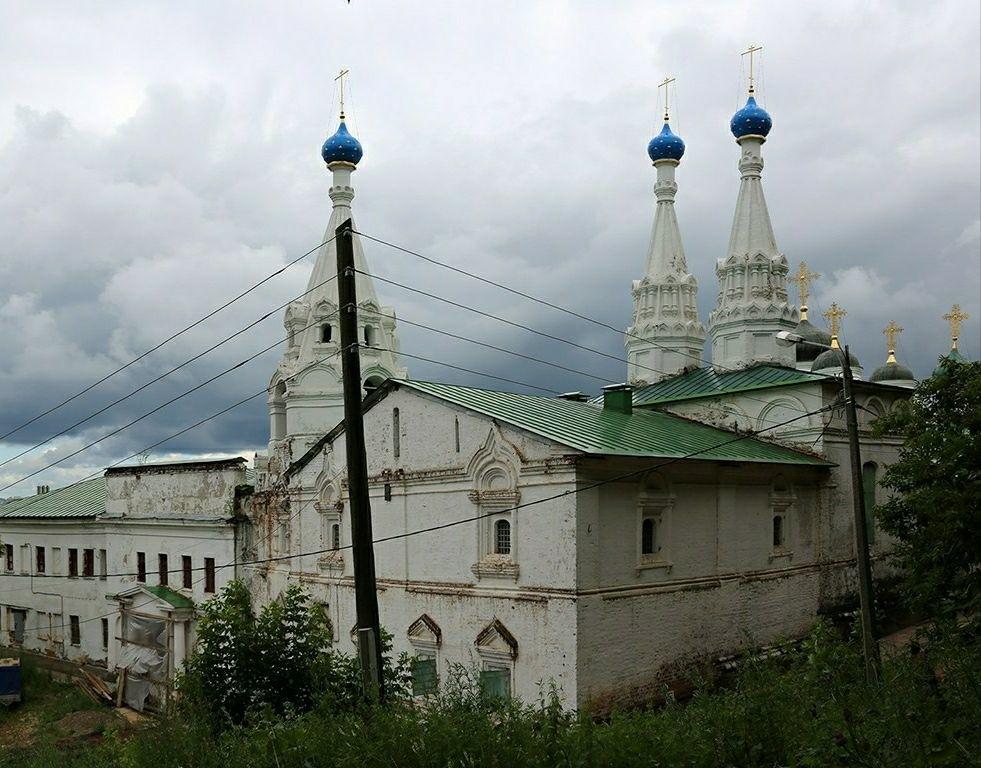Церковь Успения Пресвятой Богородицы в Благовещенском мужском монастыре в Нижнем Новгороде