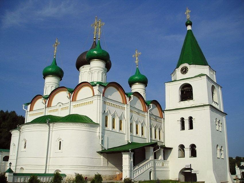 Собор Вознесения Господня в Вознесенском Печерском монастыре в Нижнем Новгороде