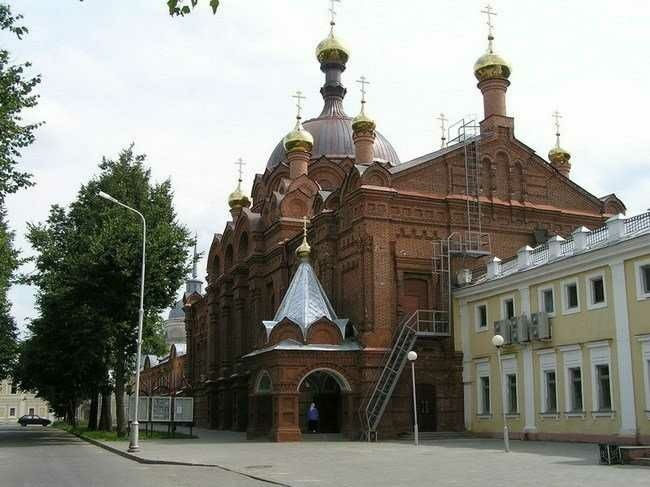 Церковь Серафимами Саровского в Свято-Успенском мужском монастыре Саровская Пустынь